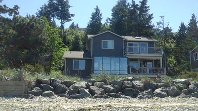 back of the house W/sunrm facing ocean 50 Ft from the beach