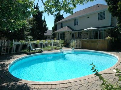 Photo for Naturom Spa Cottage offers the pleasures of a Salt water pool and hot tub