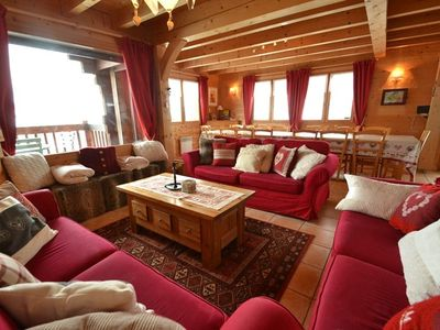 Photo for 4 star 6 bed chalet for 16 at the foot of the slopes!