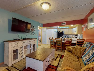 Photo for Spacious condo w/shared pool and hot tub-just 2 min from the beach!