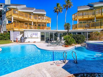 Photo for Seabatical at Mustang Island Beach Club, Gorgeous community swimming pool!