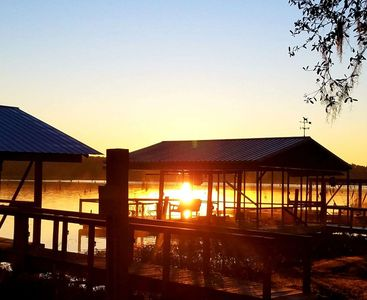 SOUTHERN COMFORT LAKE HOUSE-WIFI Covered Dock with Elec/Water