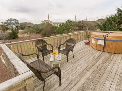 Photo for Welcoming Beach Cottage With Hot Tub & Fire pit, Just 1 ½ Blocks To The Beach!