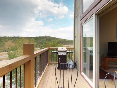Photo for Great condo with prime location near adventures and relaxing mountain views