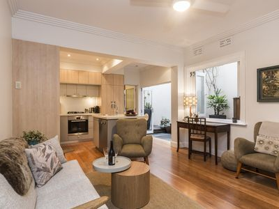 Photo for 2BR Apartment Vacation Rental in Darlinghurst, NSW