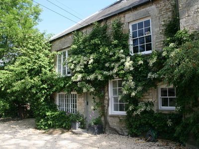 Photo for Stunning Loft Apartment In The Golden Valley, Cotswolds