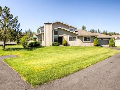 Photo for Family and friends getaway in Plumas Pines, 2 Master bedrooms, sleeps up to 10!