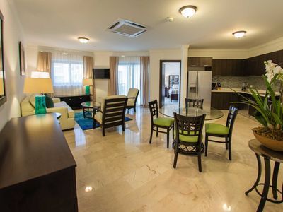 Photo for Gorgeous Condo, Spacious and Modern, Great Restaurants nearby, Perfect for Couples