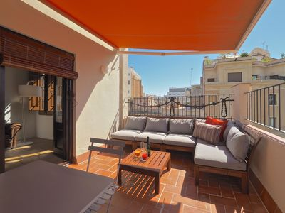 Photo for Apartment in the center of Barcelona with Internet, Air conditioning, Lift, Terrace (992228)
