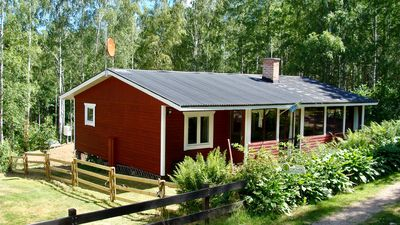 Photo for Holiday house Emil in Lönneberga only 150 meters from the beautiful lake Linden