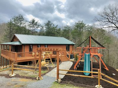 Photo for Daydream Hideaway Cabin - Mtn retreat in the swaying pines, firepit, playground