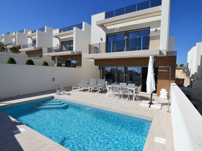 Photo for Luxurious detached villa for 10 people with swimming pool in Villamartin