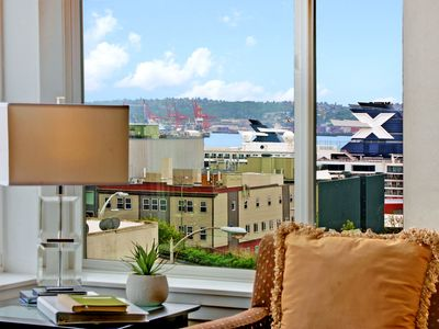 Photo for 2 Bedroom Harbor and City View Oasis✭PERFECT FOR FAMILY VACATION✭OPEN 4/21-23
