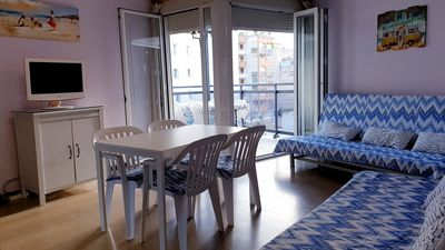 Photo for Fantastic apartment facing the sea in the best tourist area
