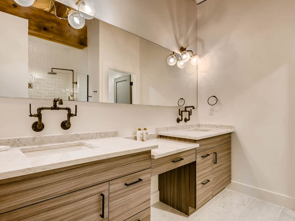 Newly renovated luxury condo in the heart of Denver min. 30 day ...