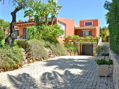 Photo for Villa in a quiet area, close to the golf courses, nightlife