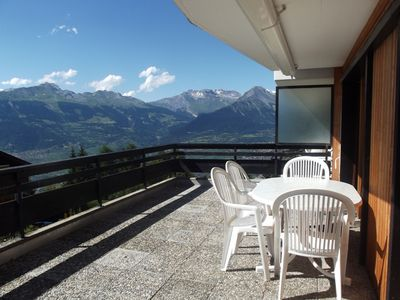 Photo for 2*, 1-bedroom-apartment for 2-4 people in the center of the resort, at about 350m from the ski lift.