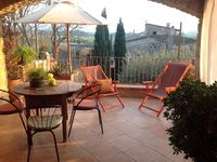 Just as pictured on the website. Comfortable, clean, lovely terrace with view. Bedroom is quiet.