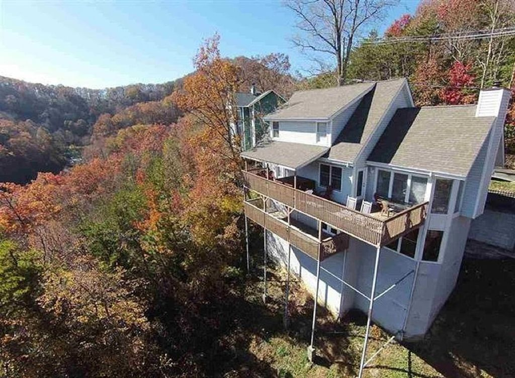 Nuovo favoloso 7br gatlinburg casa 4259493 for Cabina di brezza autunnale gatlinburg