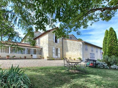 Photo for Ideally located St Emilion Beautiful stone house in Bachus gite