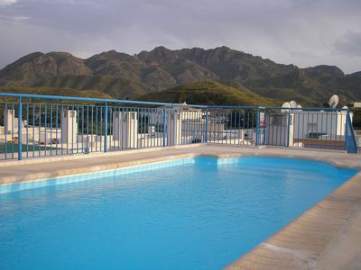 Rooftop pool with Mountain View