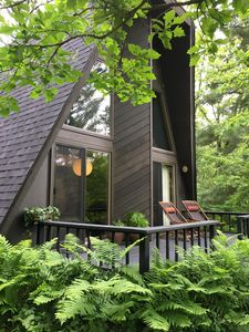 A Private Luxury Riverside Cabin in the Forest