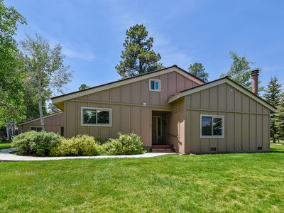 Photo for Cozy condo w/convenient location near golf, lakes, skiing, and town
