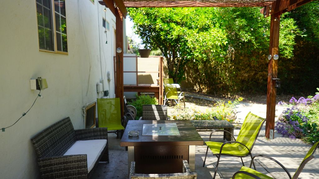 Very Charming Spanish Style Home with fruit trees backyard Mid City Los Angeles