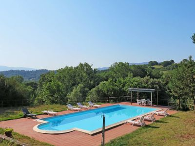 Photo for 4 bedroom Villa, sleeps 9 in Frassineta with Pool and WiFi