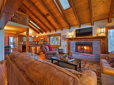 Photo for Modern Twin Peaks Cabin w/Spacious Furnished Deck!