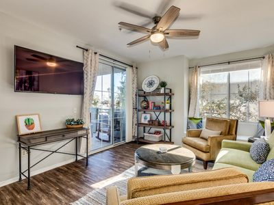 Photo for Central PHX Luxury Condo, Sleeps 8, Two Pools, Wifi, Cable, Garage, Quiet, Gated