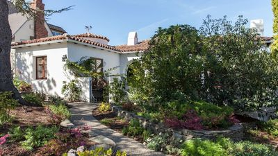 Photo for Stunning Spanish home in Baywood!