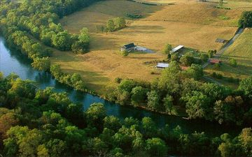 Beautiful and Secluded 3 BR/3 BA Home on South Holston River