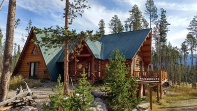Colorado Log Cabin minutes to Lakes, National Park and more!