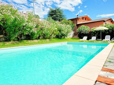 Photo for Large villa with private swimming pool set within beautiful gardens near Lucca