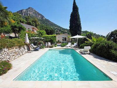 Photo for Nice villa for 8 people situated in a quiet green area.