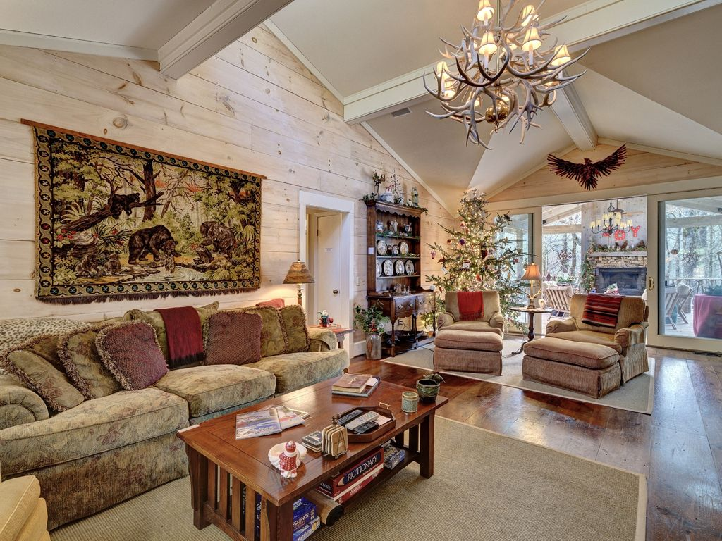 Comfortable Elegance with Mountain View: 5B... - VRBO