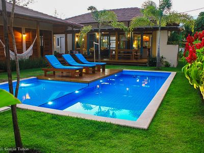Photo for House with 4 suites, 6 bathrooms, barbecue and pool,