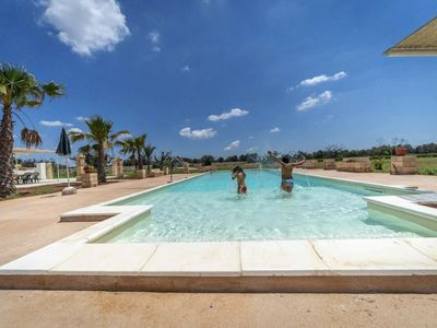 Photo for Villa between Sea and Countryside with Private Pool near the beaches of Salento