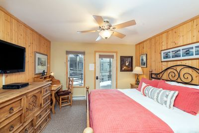 Viking Lodge 311 - unwind in this comfy king sized bed.