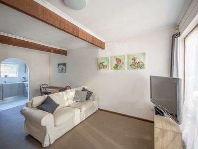 Photo for Quiet & leafy 2br townhouse 5km from CBD-sleeps7