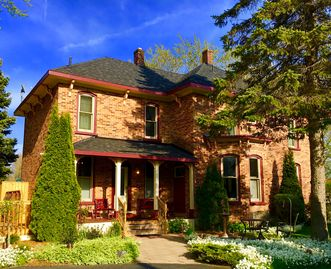 Historic Home in the Heart of Lexington Village