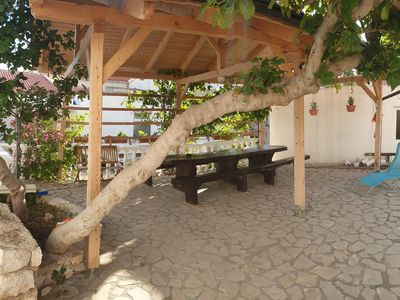 Photo for One bedroom apartment with terrace Metajna, Pag (A-6498-c)