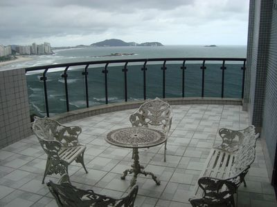 Photo for Penthouse Front w / Guarujá-Asturias-550m2-4 suites w / AIR CONDITIONING