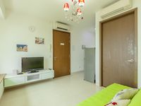 The apartment looks like the pictures, clean and located in a comfortable area, just walking