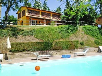 Photo for Holiday flats Castello di Oliveto, Castelfiorentino  in Um Florenz - 6 persons, 2 bedrooms