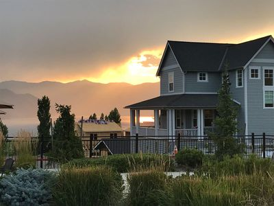 Photo for Welcome to Lakey Stars at The Lookout at Lake Chelan