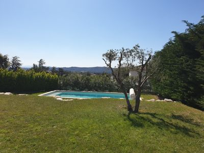 Photo for Villa 3 bedrooms with swimming pool 10 minutes from Avignon.