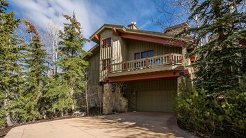 Walk to Ski Lifts Luxurious Cache 3 Bedroom Townhome