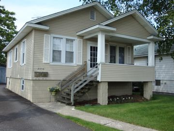 Cozy home away from home located 25 minutes from downtown Chicago